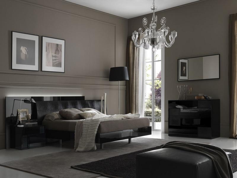 Pavimento grigio scuro colore pareti