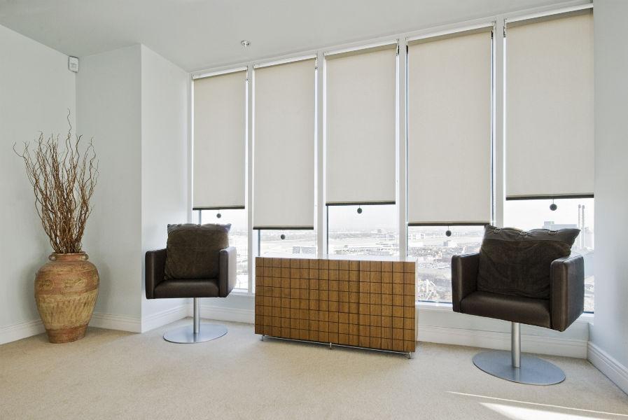 Come scegliere le tende architetto - Cortinas para oficinas ...