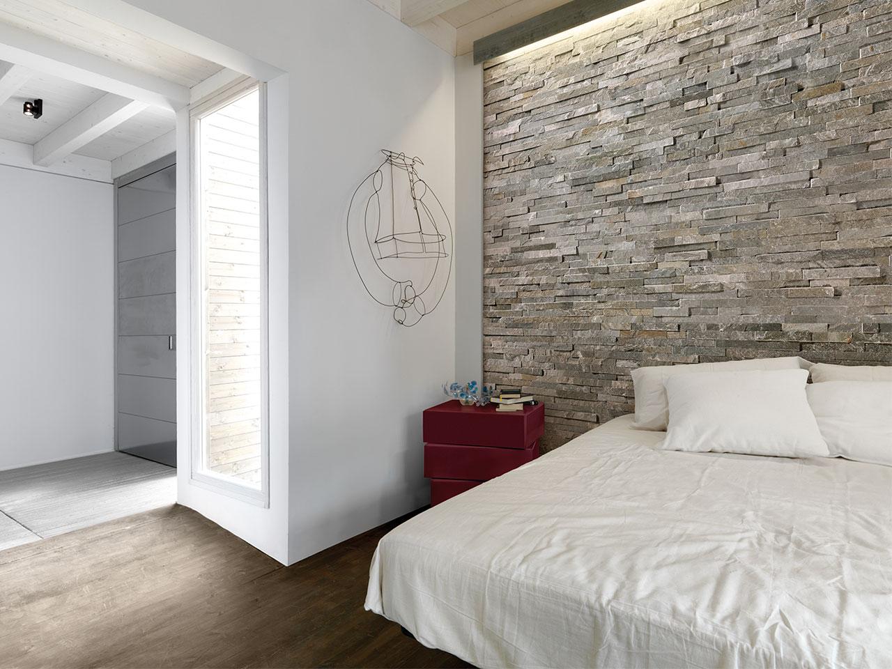 Rivestimento in pietra delle pareti architetto digitale for Rivestimento parete salotto